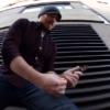 1ドルで買った玩具のギターをプロが本気で演奏したらカッコいい!!