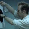 残業していた会社員が見つけたものはブラックホール!?世にも奇妙な物語のようなショートフィルム!