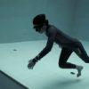 プロのダイバーがスゴすぎる!水深40メートルの世界一深いプールを素潜り!!
