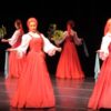 どうやって動いてるの!?不思議な動きをするロシア舞踏「ベリョースカ」がスゴイ!