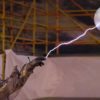 スーパースローの世界!テスラコイルからの放電がハンパない!