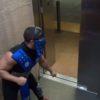 ドッキリ企画!屈強なコスプレ男がエレベーターで暴れだしたら・・・。