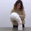 本で作った彫刻!ぐにゃっと伸びる独特な動きが気持ちイイ!