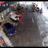 監視カメラが捉えた!車上荒らしに失敗した泥棒達の末路・・・