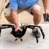 街中でドッキリ慣行!突然巨大なクモが出てきた時のリアクションが・・・。