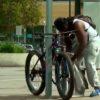 自転車泥棒の犯行の瞬間!GPSを仕掛けた自転車をエサに泥棒を追い詰めるドキュメンタリー!