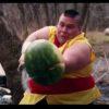 大人気ゲーム「フルーツ忍者(Fruit Ninja)」を実写で再現!意外と動ける太っちょ忍者に注目!