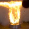 なぜそれを選んだ!?油圧プレスであるものを潰してみたら大炎上!