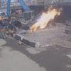 プロパンガスボンベを解体中のアクシデント。テンパってしまった結果近くのショベルカーも炎上!