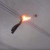 ドローンが火を噴く!?電線に引っかかったネットを驚きの方法で除去!
