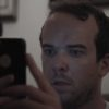 ゾッとするショートフィルム「The Message」。不審な物音で目が覚めた男性にSNSからメッセージが届き・・・。