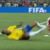 FIFAワールドカップの有名なファウルシーン大流行!?世界各国で行われている「ネイマールチャレンジ」とは?